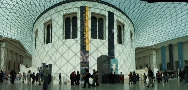 ai365.photobucket.com_albums_oo91_LilianaPinheiro_London_20City_20__202008_BritishMuseum.