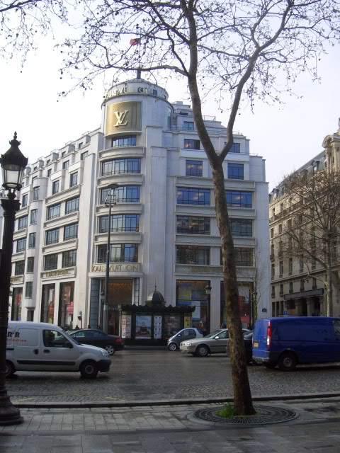 ai365.photobucket.com_albums_oo91_LilianaPinheiro_Paris_CIMG0037_1.