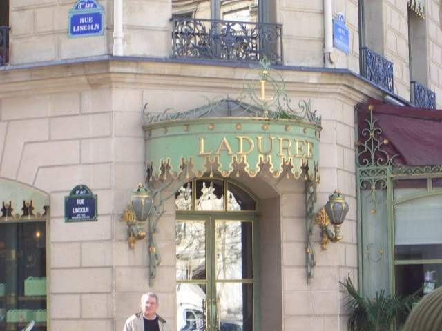 ai365.photobucket.com_albums_oo91_LilianaPinheiro_Paris_CIMG0324.