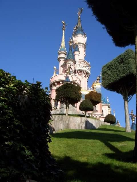 ai365.photobucket.com_albums_oo91_LilianaPinheiro_Paris_DisneyLand_20Paris_202008_CIMG0217.
