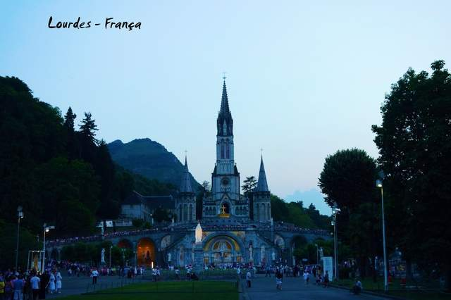 as21.postimg.org_8aj2zt2jb_42_Lourdes_Midi_Pirin_us_France.